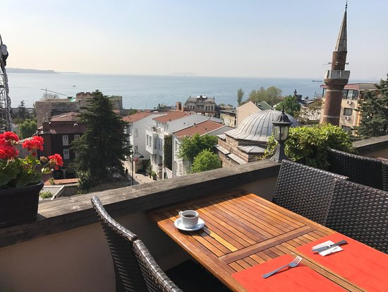 Megara Palace Hotel: Your priceless view at breakfast