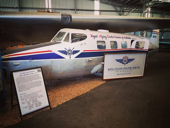 Queensland Air Museum : De Havilland Aircraft DHA-3 Drover (Royal Flying Doctor Service)