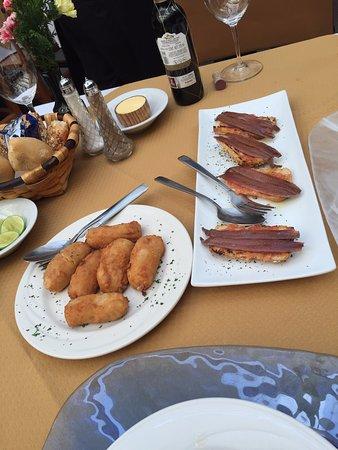 Restaurante Mesón Puerto Chico: Croquetas and Sardins