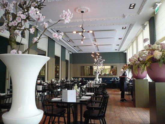 Voorburg, Países Bajos: レストラン内部