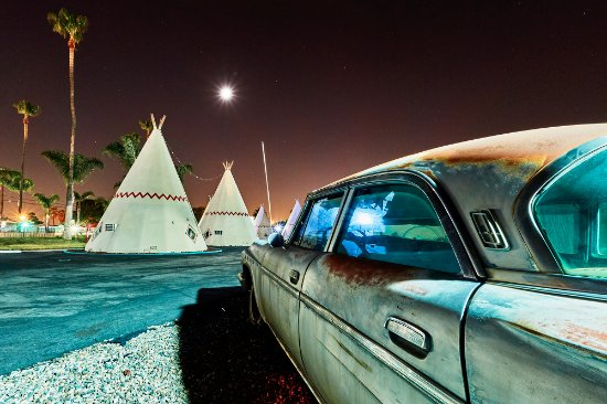 Wigwam Motel: Classic Cars 2