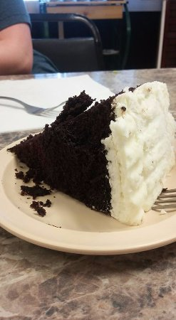 Olive Branch, Миссисипи: 2 layered Chocolate cake with cream cheese frosting