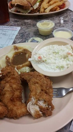 Olive Branch, MS: Fried chicken tenders with cole slaw and mashed potatoes