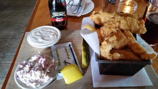 Four Dogs Tavern: Amazing Fish & Chips
