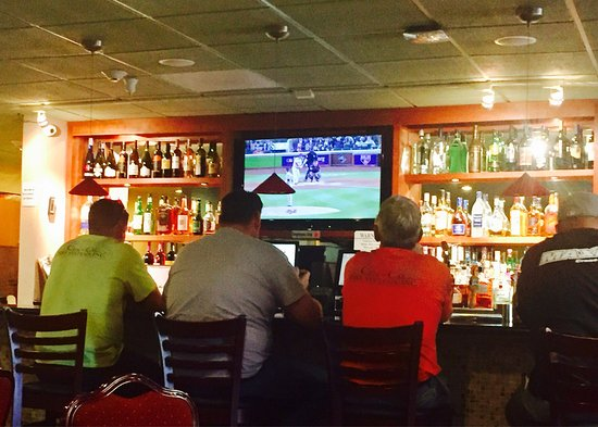 มิลพีทัส, แคลิฟอร์เนีย: Bar at the BW