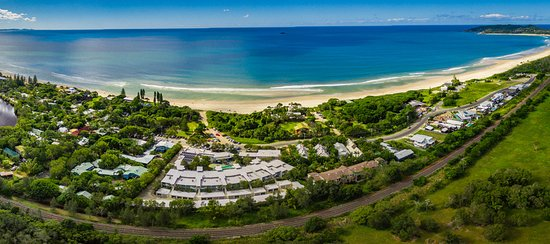 East on Byron : 50 meters to the pristine shores of Belongil Beach