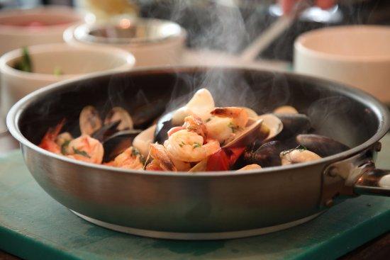 Preparation of Allo Scoglio (Sphagetti with fresh seafood)