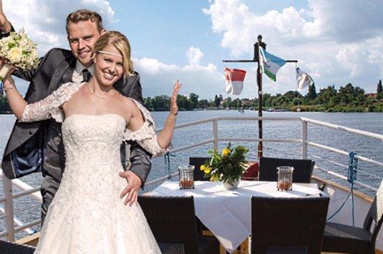 Ob Hochzeitsfeier Oder Andere Feste Auf Einem Schiff Immer Etwas
