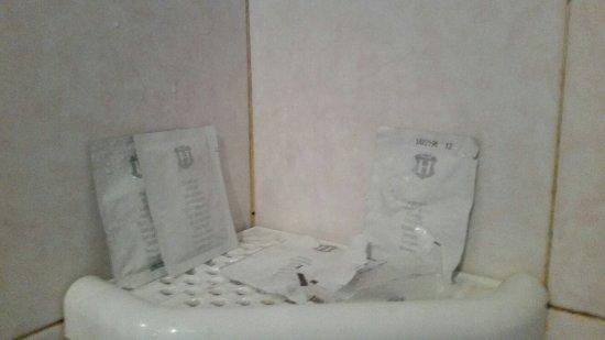 Nights in Rome: produits de toilette pour deux personnes