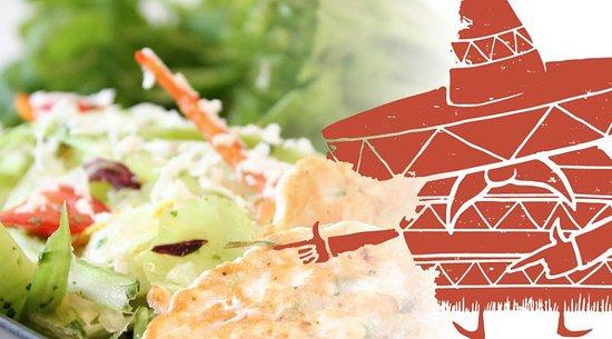 Salo, Φινλανδία: Valmistamme itse maukkaat lohi-jättikatkarapupihvit raikkaan salaatin seuraksi.