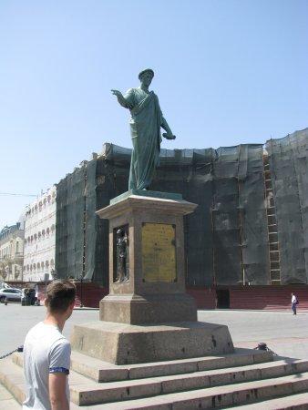 Primorsky Boulevard: Pomnik Richelieu