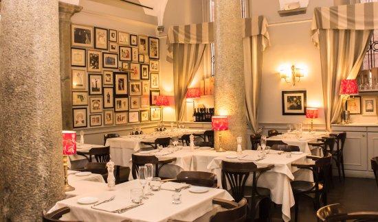Valentino Vintage Restaurant: Location