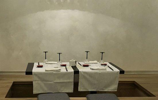 Tavoli incassati nel pavimento stile giapponese foto di for Pavimento giapponese
