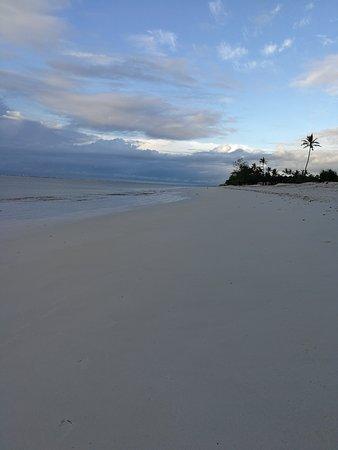 Bahari Dhow Beach Villas: IMG_20170508_071141_large.jpg