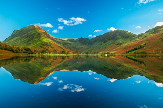 Buttermere, UK: The view from western bank that is impossible to beat anywhere else in the world