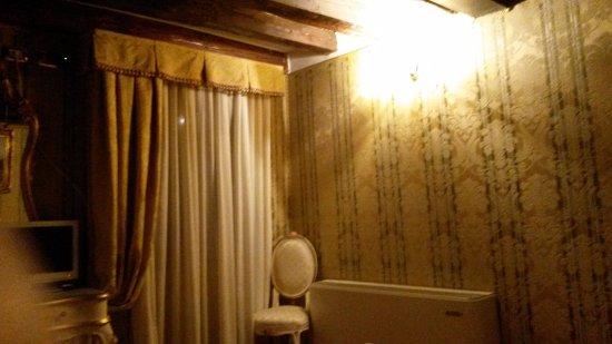 Hotel e Residenza San Maurizio : Stanza