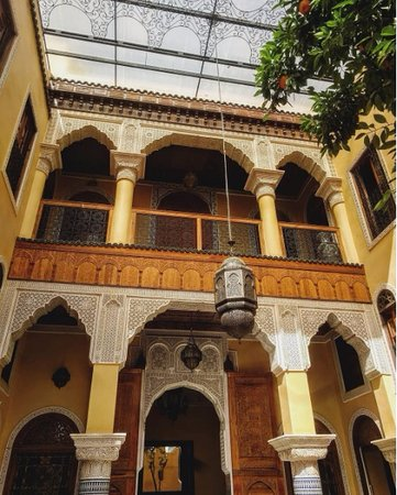 Riad Layalina Fez: Beautiful yard inside