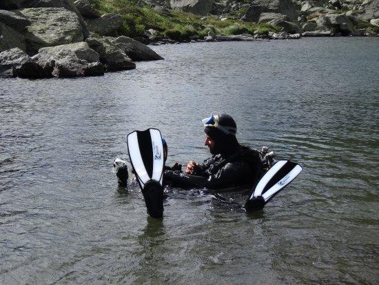 Lanslevillard, Francia: L'été arrive ! Venez essayer la plongée en lac d'altitude avec excursion en 4x4 !