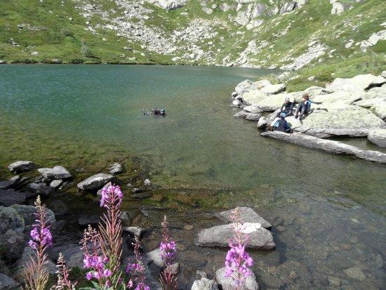 Lanslevillard, Francia: Plongée en altitude au Lac de Roterel
