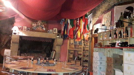 La Taverne Vigneronne : la salle