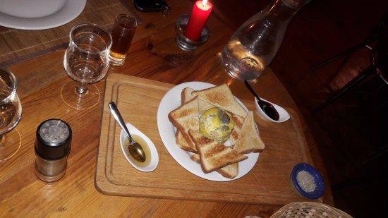 La Taverne Vigneronne : succulent foie gras avec sa Cartagene