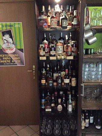 Borgo a Buggiano, Italia: Ampia selezione di Rum & Whisky