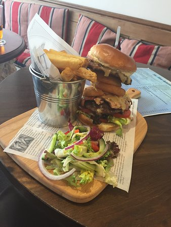 Sea View Tea Rooms: Sea View Ultimate Burger Special