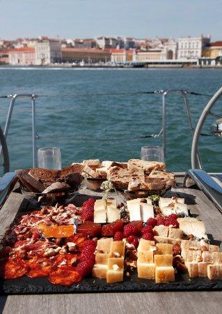 Linda-a-Velha, Portugal : Tábua de queijos