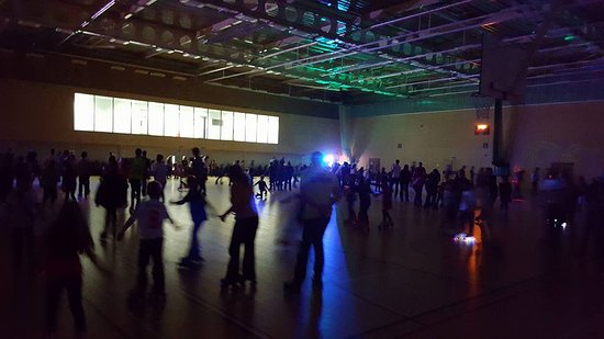 Oakham, UK: Weekly Roller Fun