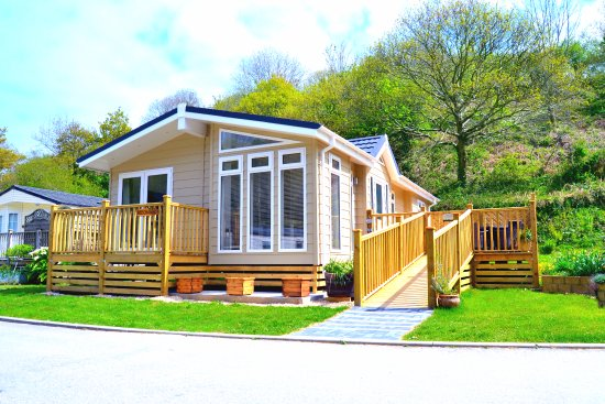 Hele Valley Holiday Park : Superior Plus Lodge