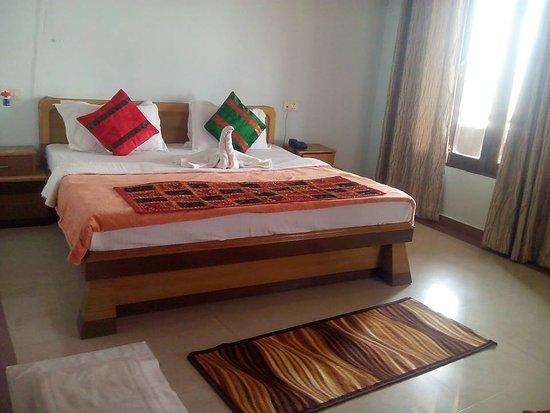 Hotel Ganesha Inn : Executive Room