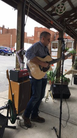Bedford, VA: May 2017 at the market.