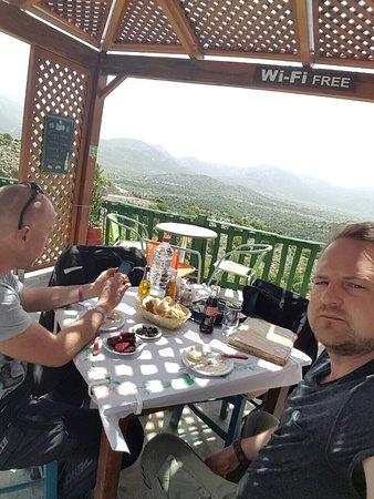 Lasithi Mesa, Grecia: Rewelacja. Na przystawkę buraczki po grecku. Doskonała jagnięcina na danie główne i smaczny dese