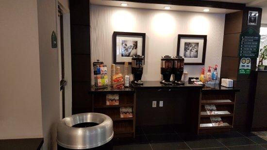 Wingate by Wyndham Los Angeles International Airport LAX: Общий вид завтрака