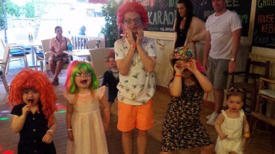 crazy kids games picture of white rose family fun pub alcudia