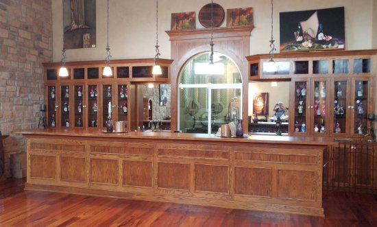 Two Rivers Winery: Secondary tasting room