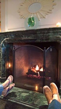 Clayton, MO: Club room fireplace
