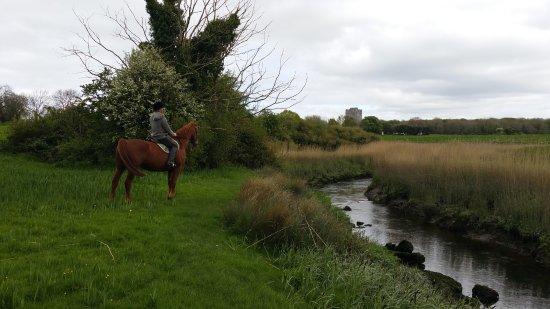Quin, Irlanda: river trail