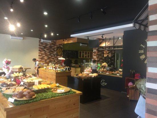 Kez's Bakery and Restaurant: photo5.jpg