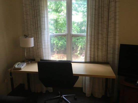 Residence Inn Huntsville: Queen Bedroom Suite