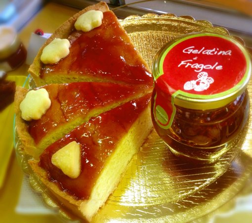 Le Lasse Cafe: Torta con gelatina fiorpolline