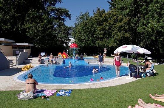 Piscine d 39 evian photo de alize hotel vian les bains for Piscine d evian