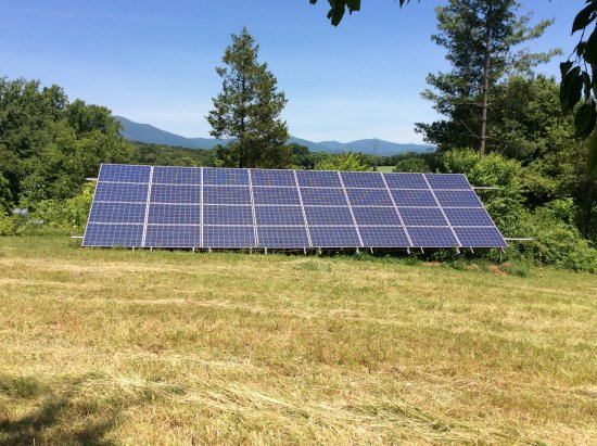Vanquility Acres Inn: Our solar array located near the cottages.