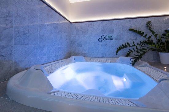 Spa Splendid Hotel : Le Jacuzzi du Spa Splendid