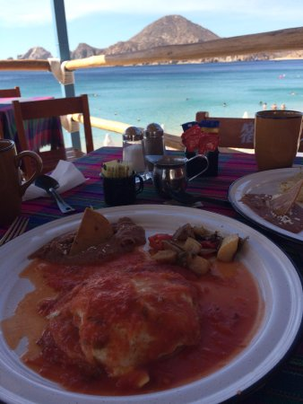 The Sand Bar: Eggs Sincronizados and a view!