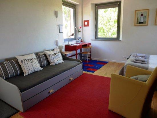 Banon, France: La chambre Point-Virgule avec son entrée indépendante