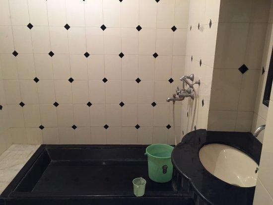 Hotel Deep Mahal: bathroom