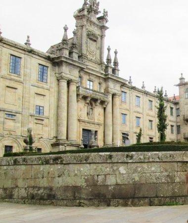 Monasterio de San Martín Pinario: impressive building