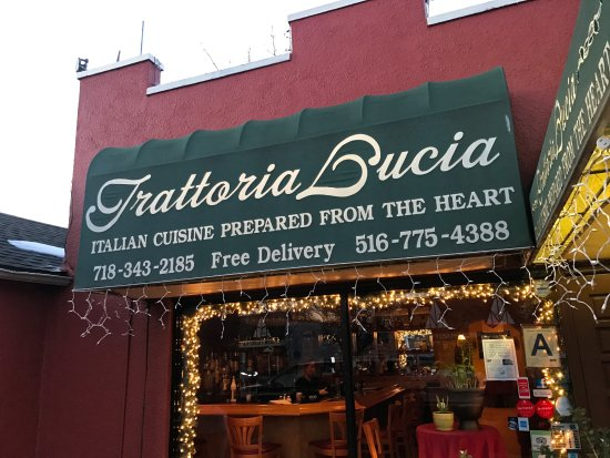 Floral Park, NY: Front of restaurant