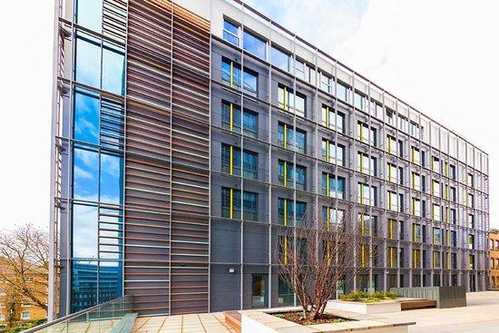 Hostel Building To Rent London